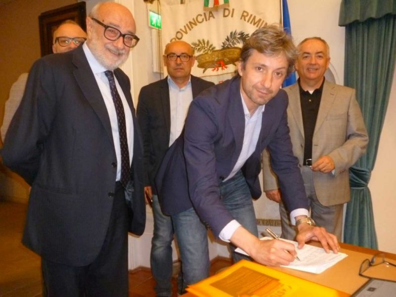 Il Sindaco di Rimini Andrea Gnassi firma contro le false cooperative