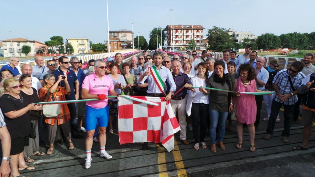 Taglio del nastro per il ponte di via Coletti a Rimini realizzato da CBR