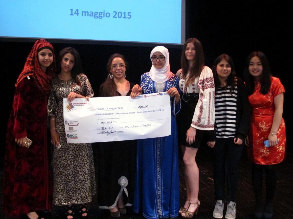Cooperiamo a scuola, vincono le ragazze dell'Oriani di Faenza [foto][video]