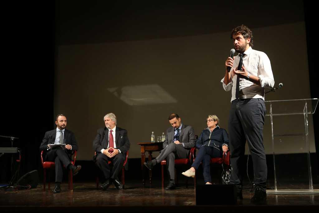 L'incontro tra Poletti e i giovani cooperatori al Socjale [foto]