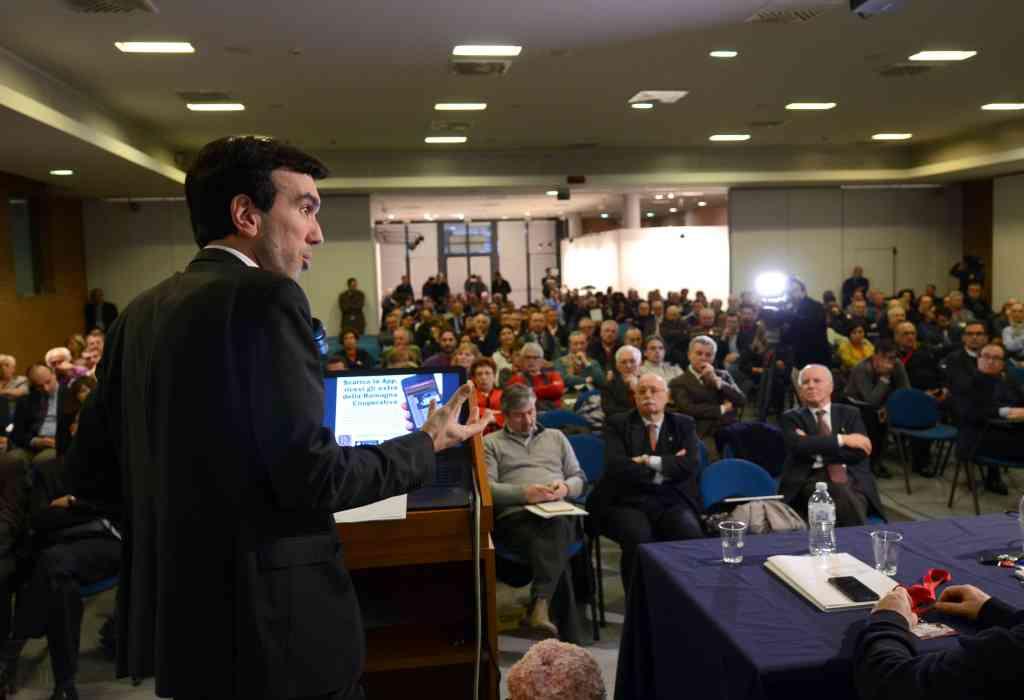 Le conclusioni del ministro Martina all'assemblea di Legacoop Romagna [video]