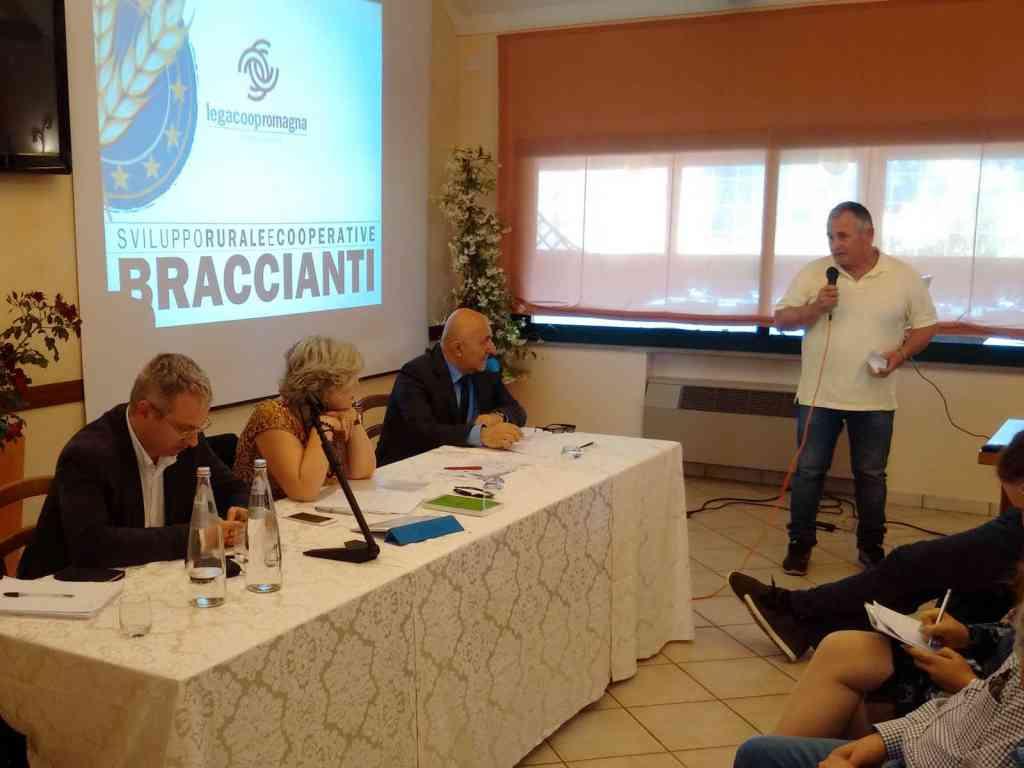 Il convegno sulle Cooperative Agricole Braccianti con l'assessore Caselli: «Lavoro e prodotti di qualità» [video][gallery]