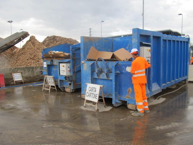Astra lancia l'allarme: «Filiera del riciclo rifiuti bloccata»