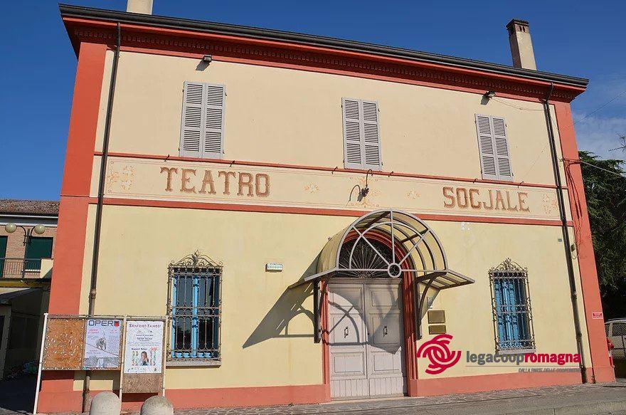 """Sociale verso social: dalle Case del Popolo a Facebook"""