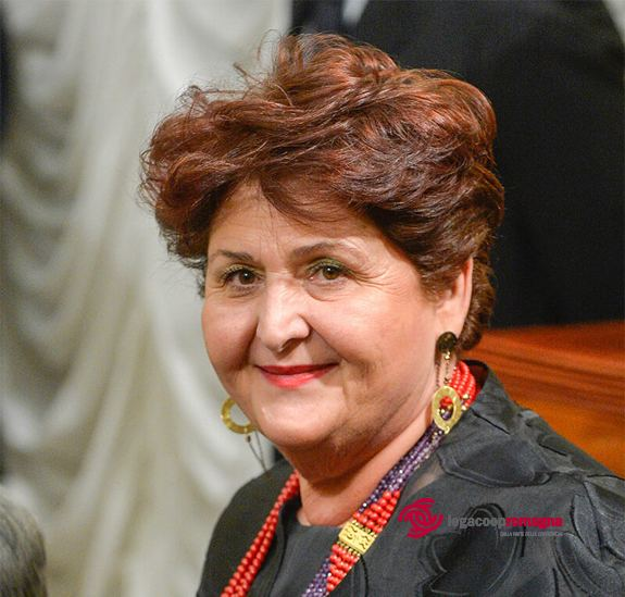 Coronavirus, la filiera del vino scrive alla ministra Bellanova:«Servono misure europee e nazionali straordinarie»