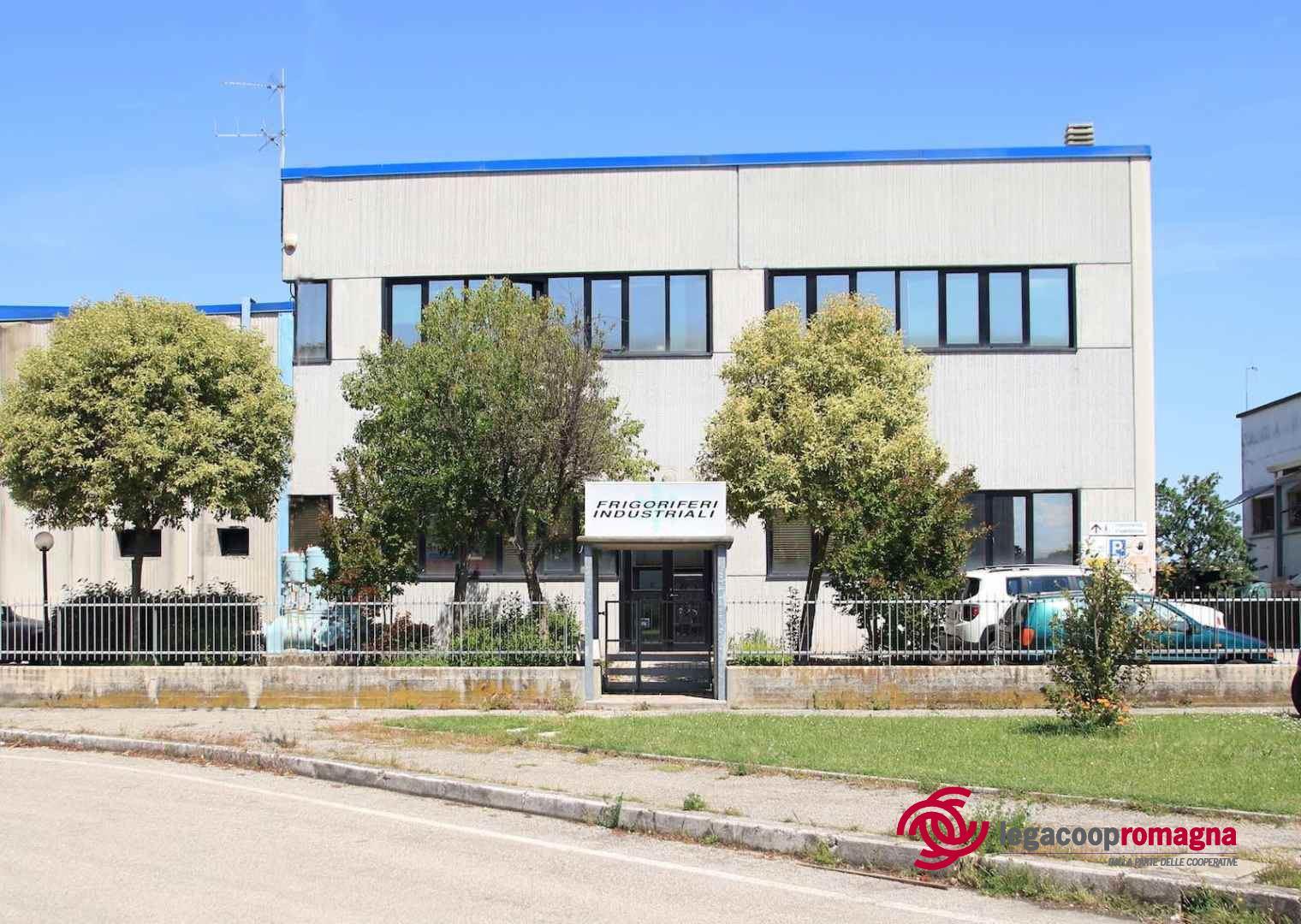 La cooperativa Frigoriferi Industriali dona 10mila euro ai medici del Bufalini di Cesena
