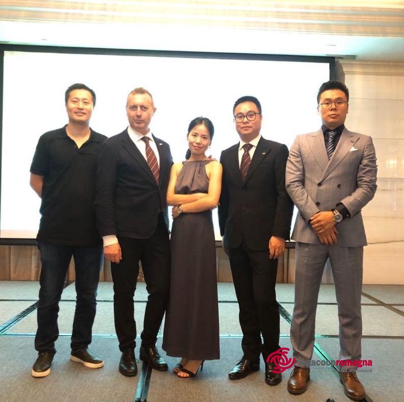 Coronavirus e solidarietà: un cliente cinese di Terre Cevico dona mille kit diagnostici all'Ausl Romagna
