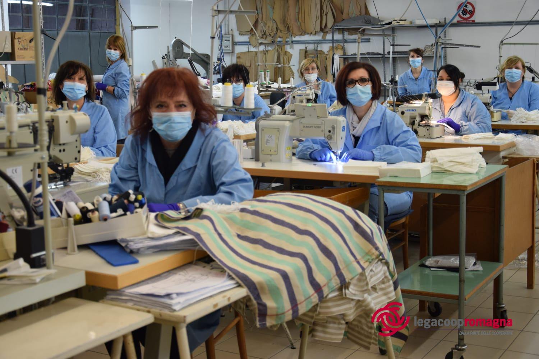 Dall'alta moda alle mascherine: la cooperativa Princess Più converte la produzione